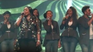 Video: Sinach ft Accent Tweed - I Celebrate